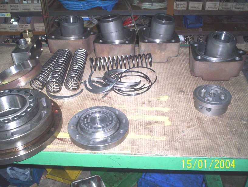../calzoni-sam/moteur_hydraulique_parker_denison_calzoni.jpg