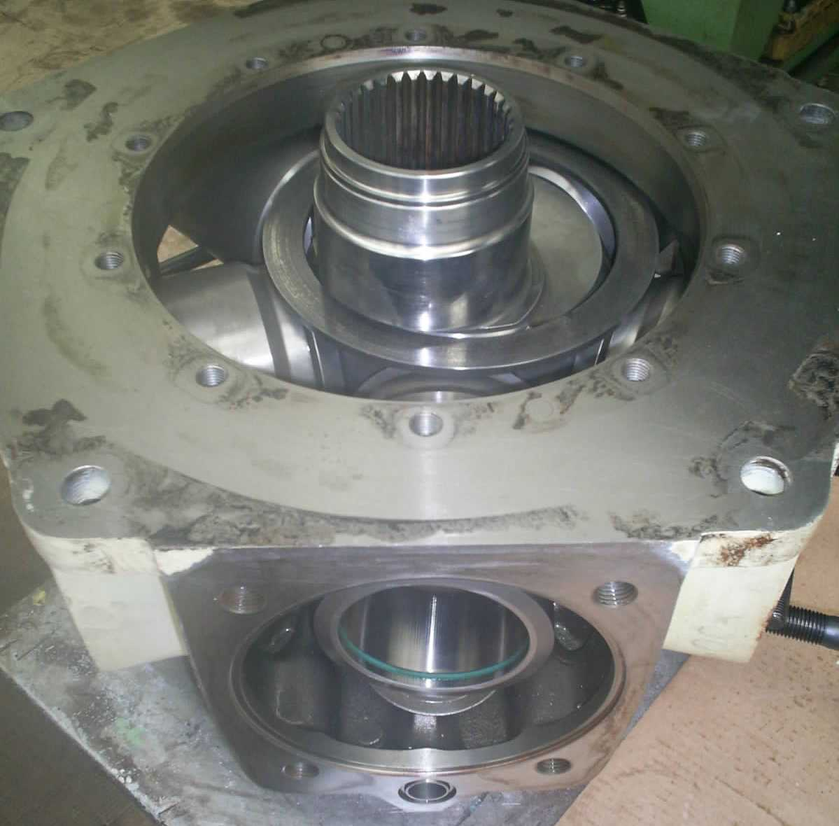 reparation_moteur_hydraulique_parker_denison_calzoni_MR4100L_piston_radiaux_presse_injection_plastique