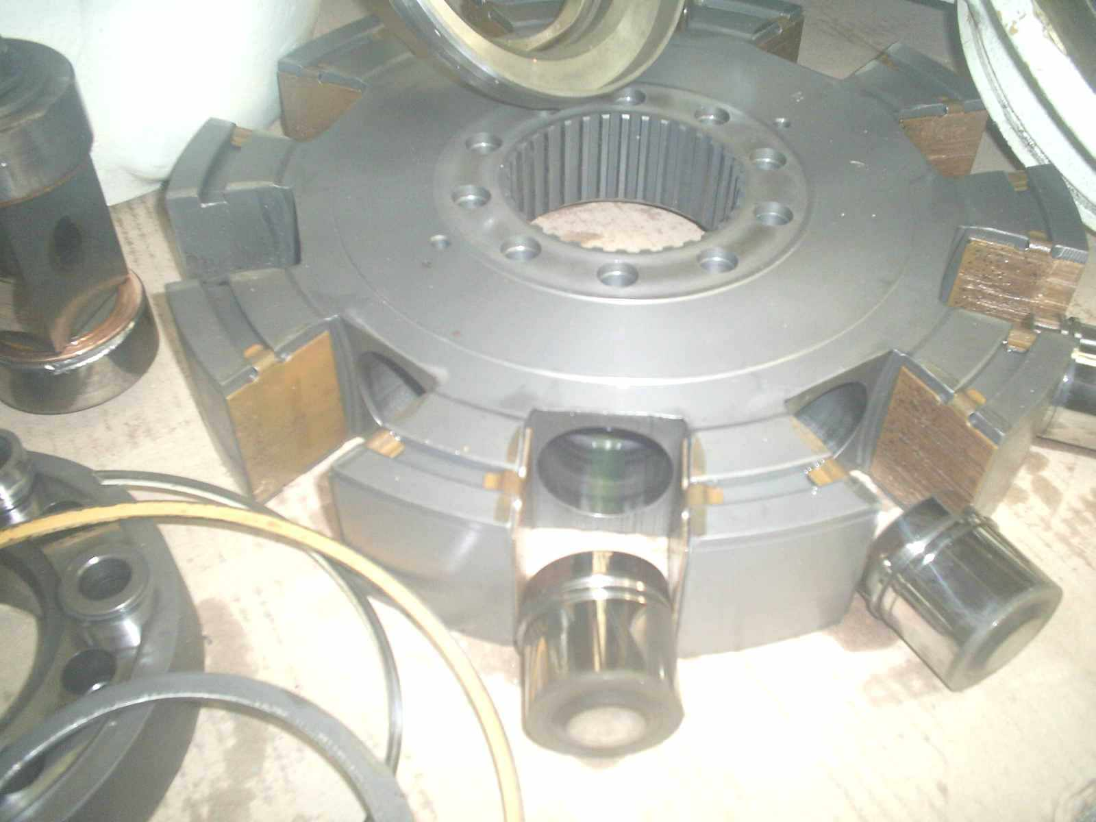 moteur_hydraulique_poclain5.JPG