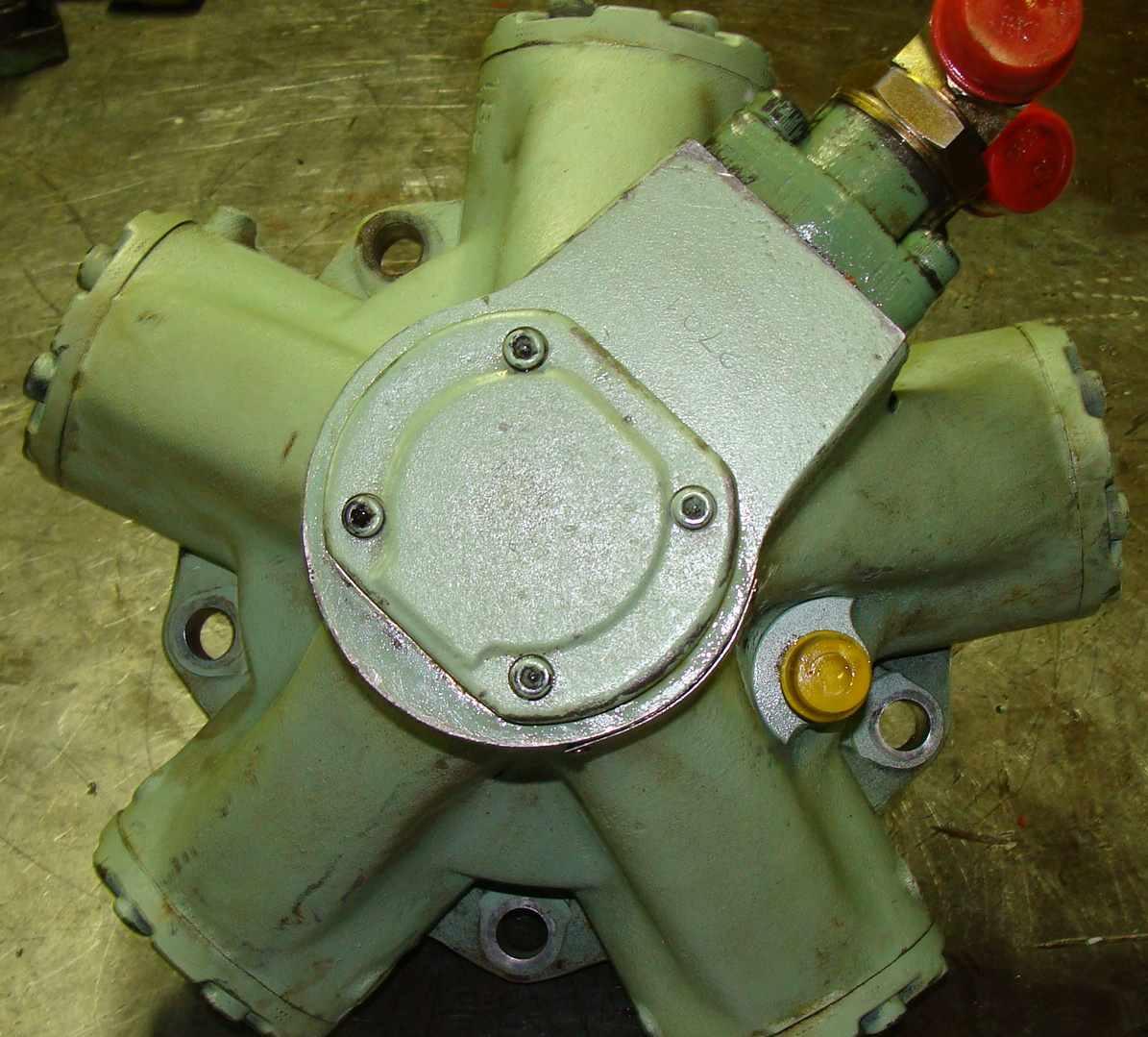 reparation_moteur_hydraulique_staffa_kawasaki.JPG