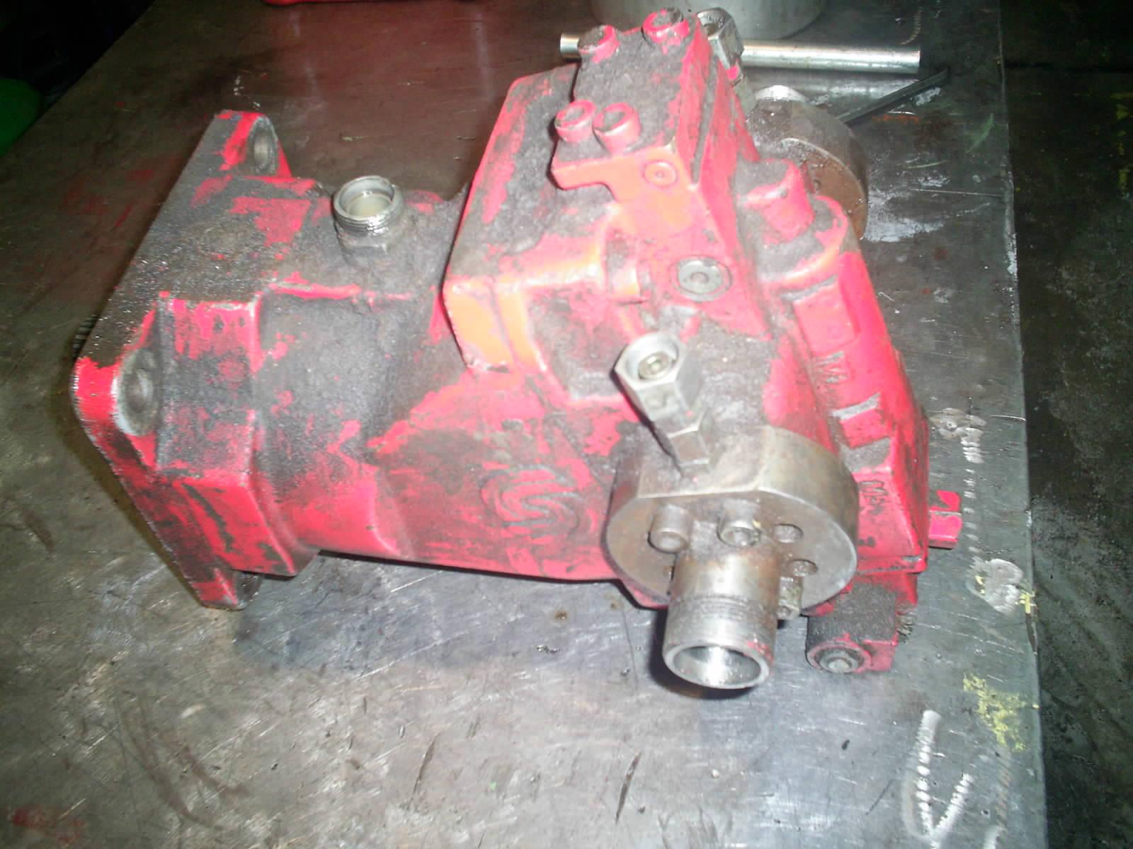 moteur_hydraulique_sauer_danfoss_51v.JPG