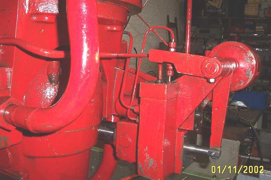 regulation_pompe_presse_hydraulique_spiertz_schuler.JPG