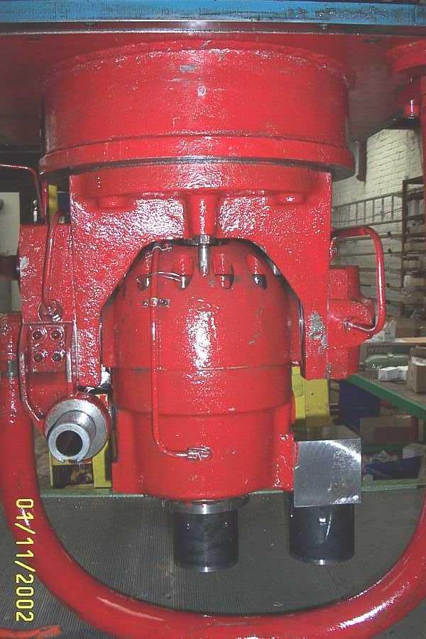 regulation_pompes_presse_hydraulique_spiertz_schuler.JPG
