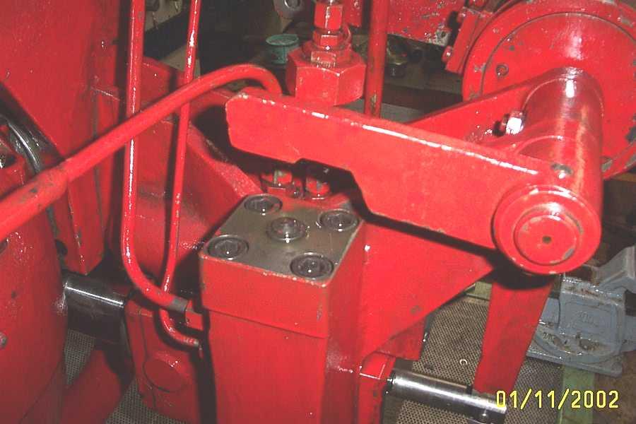 regulations_pompe_presse_hydraulique_spiertz_schuler.JPG