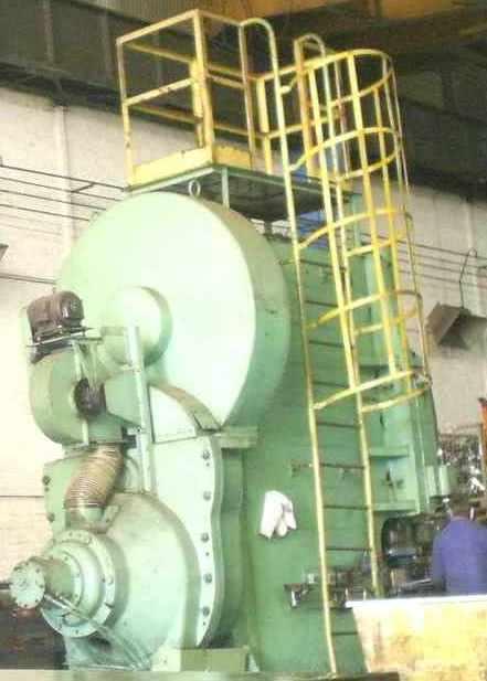usine_presses_emboutissage.JPG