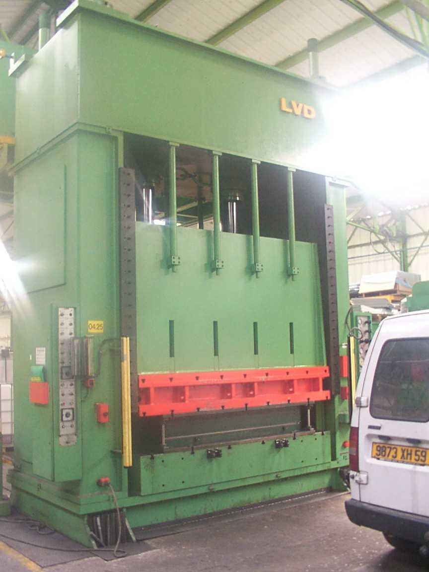 lvd/presse_hydraulique.JPG